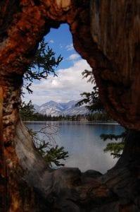 lake-904480_640