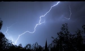 lightning-199651_640
