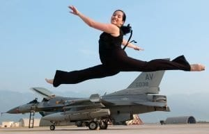 ballet-leap-751866_640